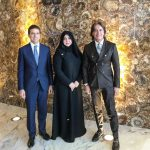 con la stilista Mona Al Mansouri
