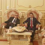 durante l'incontro presso la Majilis di Sheikh Khalid bin Ahmed al Hamed